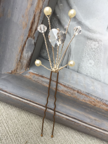 Designer hair pin - crystal heart